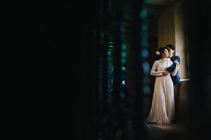 creative oxfordshire wedding photographer at wadham college